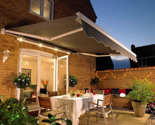 Kobyco - Retractable Awnings Rockford IL