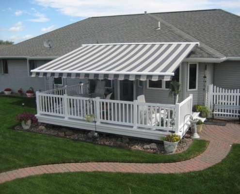 Kobyco - Retractable Awnings Roscoe IL